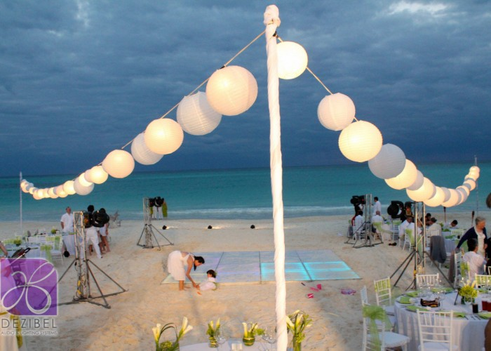 Wedding cancun-Planners-chinese paper lamps-outdoor-26