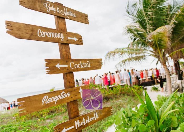 Matias-y-Gaby-Cancun-Beach-Wedding-81