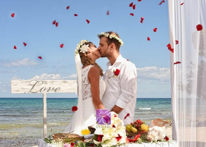 Simbolic-Ceremony-Cancun-Beach-Wedding-3