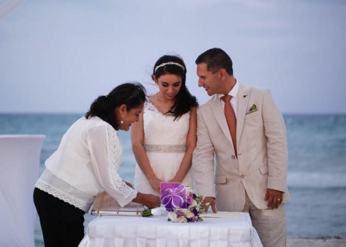 Simbolic-Ceremony-Cancun-Beach-Wedding