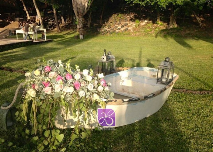 wedding-boat-decor-vintage