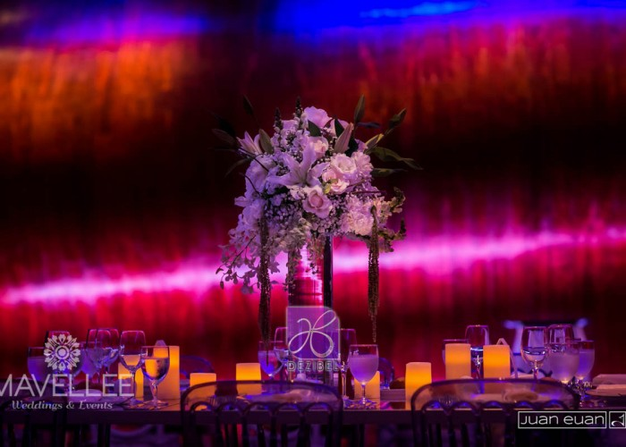 centerpiece decor by dezibel wedding florist