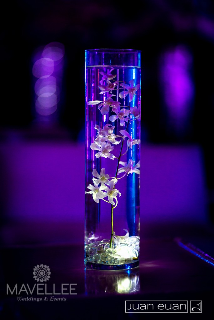 centerpiece-flower-under-water