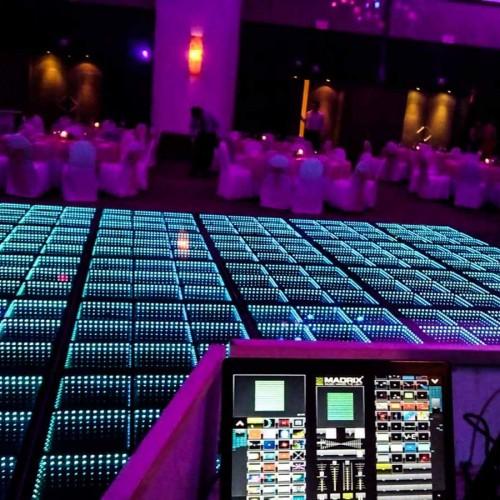 Dancefloor-3D-Wedding-and-event-productions-11
