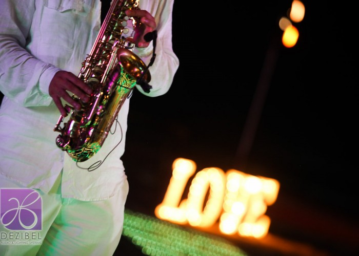 Beach Wedding cancun- Musicians- Sax-5