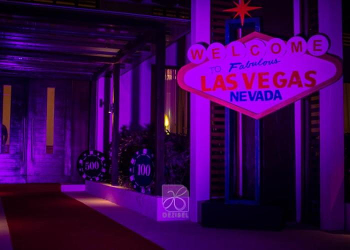 thematic-decore-casino-cancun-wedding-11