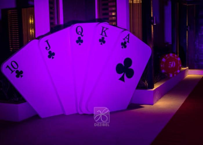 thematic-decore-casino-cancun-wedding-6